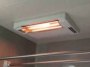 浴室暖房乾燥機=天井